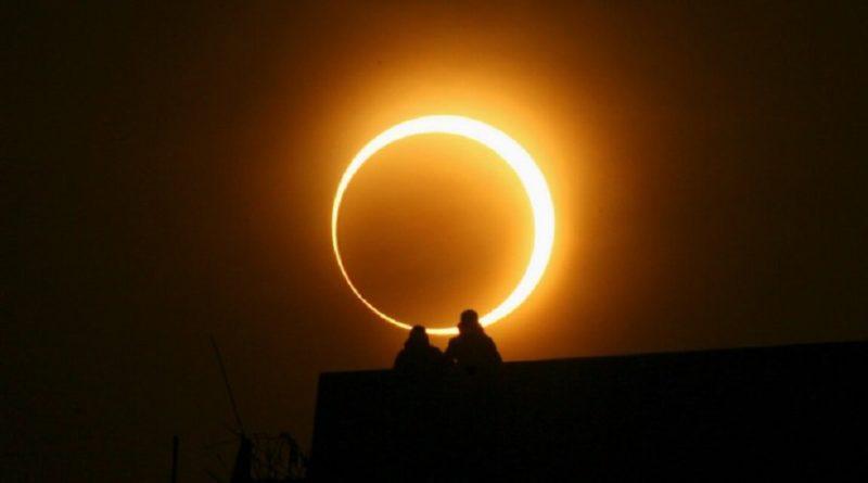 Saiba como observar o eclipse solar anular que acontecerá no domingo de Carnaval!